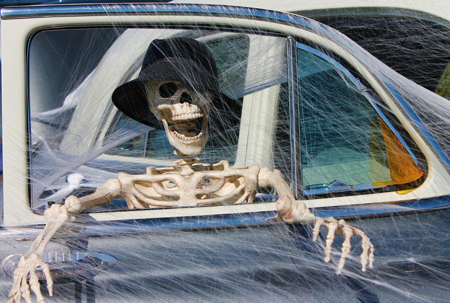 Skeleton in car joke