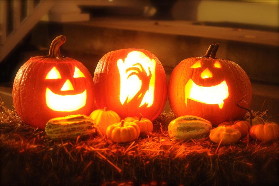 cool pumpkin ideas at night
