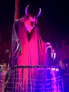 Halloween Horror Nights Hollywood monster statue 2018
